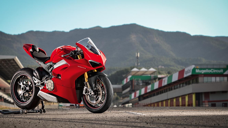 La stagione Superbike 2020 del team Aruba.it Racing