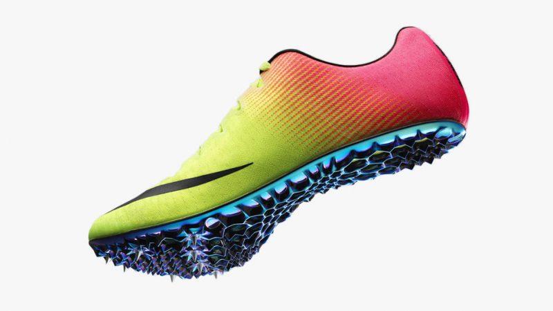 Le scarpe da calcio e le nike chiodate
